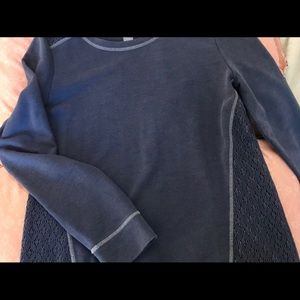 Long sleeves navy blue shirt